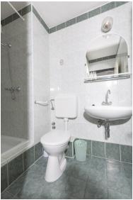 Bathroom, Hotel Radio Inn, Siofok