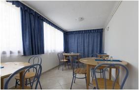 Hotel Radio Inn, Breakfast room