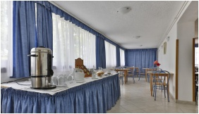 Hotel Radio Inn, Breakfast room - Siofok