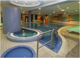 Swimming pool - Hunguest Hotel Repce Gold