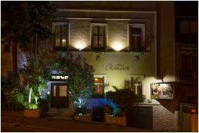 Entrance, Hotel Romantik, Eger