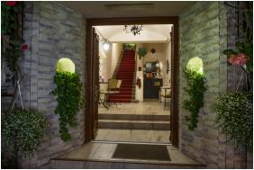 - Romantik Hotel