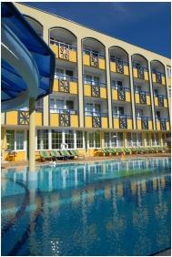 Outsde pool - Hotel Rudolf
