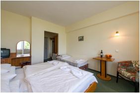 Háromágyas szoba - Hotel Nostra
