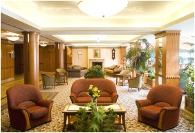 Hotel Silvanus Wellness & Conference, Lobby - Visegrad