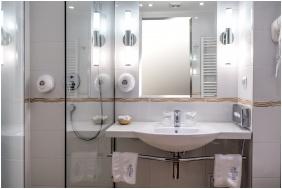 Hotel Silvanus Wellness & Conference, Visegrad, Bathroom