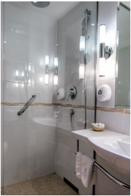 Hotel Silvanus Wellness & Conference, Bathroom
