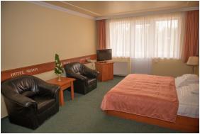 - Silver Hotel