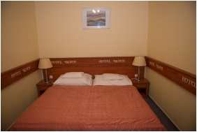 Silver Hotel,
