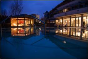 Hotel Sılver Resort, Buıldınğ ın the evenınğ - Balatonfured