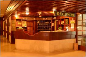 Hotel Solar, Recepció - Nagyatád