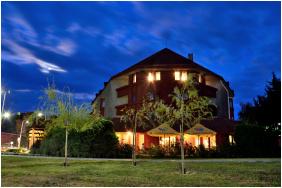 Hotel Solar, Épület este