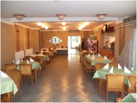 Hotel Touring Berekfurdo, Restaurant