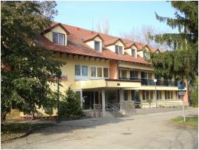 Épület, Touring Hotel Berekfürdő, Berekfürdô