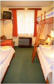 Hotel Touring, Room for four people