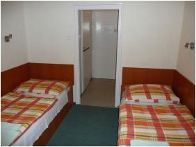 Twin room, Hotel Touring, Nagykanizsa