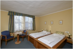 Hotel Unicornis - Eger