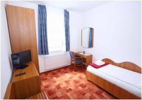 Egyágyas szoba, Hotel Wesselényi, Gyôr