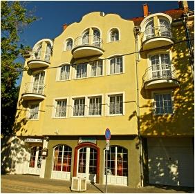 Hotel Wesselényi, Gyôr, Épület