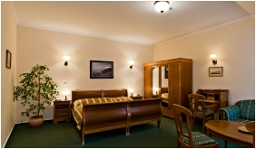 Comfort triple room, Hotel Wollner, Sopron
