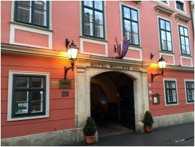 Front view - Hotel Wollner