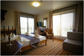 - Hotel Xavin