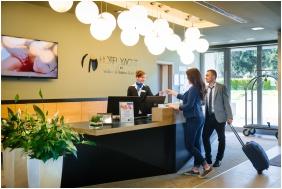 Hotel Yacht Wellness & Business, Exterior view - Siofok