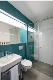 Bathroom, Hotel Yacht Wellness & Business, Siofok