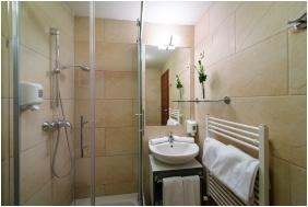 Hotel Yacht Wellness & Business, Siofok, Bathroom