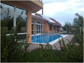 HRC Pension, Yard - Hajduszoboszlo