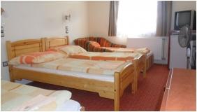 Triple room, Hungaria Pension, Miskolctapolca