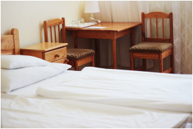 - Hotel Hoforras