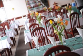 Hunguest Hotel Hoforras, Restaurant
