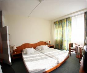 Hotel Nagyerdő,