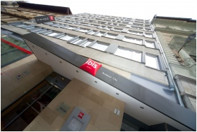 Ibis Budapest City Hotel, Entrance