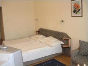 In Hotel, Hajduszoboszlo, Standard room