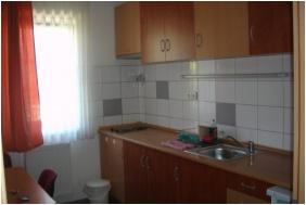 Kitchen - Invest Apartments