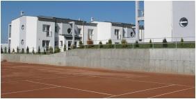 Invest Apartments, Tennis court