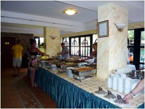 Buffet breakfast - Hotel Zsanett