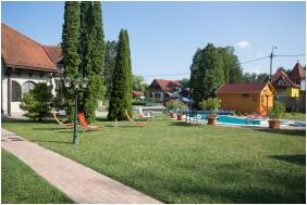 Hotel Zsanett, Exterior view - Balatonkeresztur