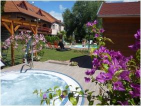 Hotel Zsanett, Whirl pool