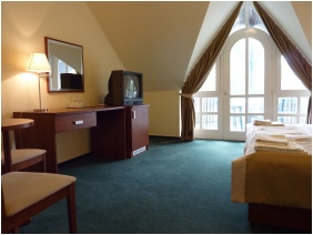 Hotel Zsanett, Room interior - Balatonkeresztur