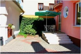Jarja Pension, Inner garden - Hajduszoboszlo