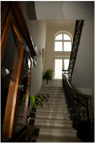 Jókai Villa, Siófok, Lépcső