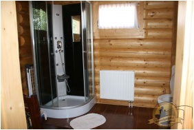 Joo-to Ronk Guesthouse, Marcalgergelyi, Shower