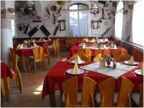 Jozsi Bacsi Hotel & Restaurant, Restaurant
