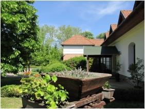 Jozsi Bacsi Hotel & Restaurant, Inner garden - Szombathely
