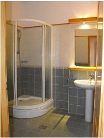 Shower - Jozsi Bacsi Hotel & Restaurant