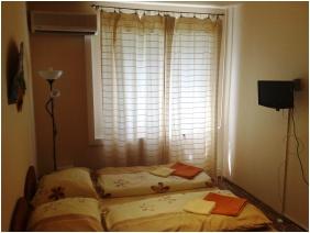 Classic room - Judit Apartment House