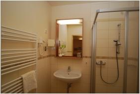 Jufa Vulkan Furdo Resort, Celldomolk, Bathroom